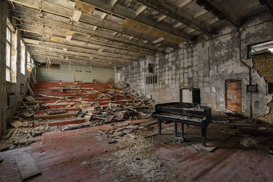 Auditorium 5ca8e9dc21912  880 - Faciadan 33 Yıl Sonra Çernobil'den Fotoğraflar